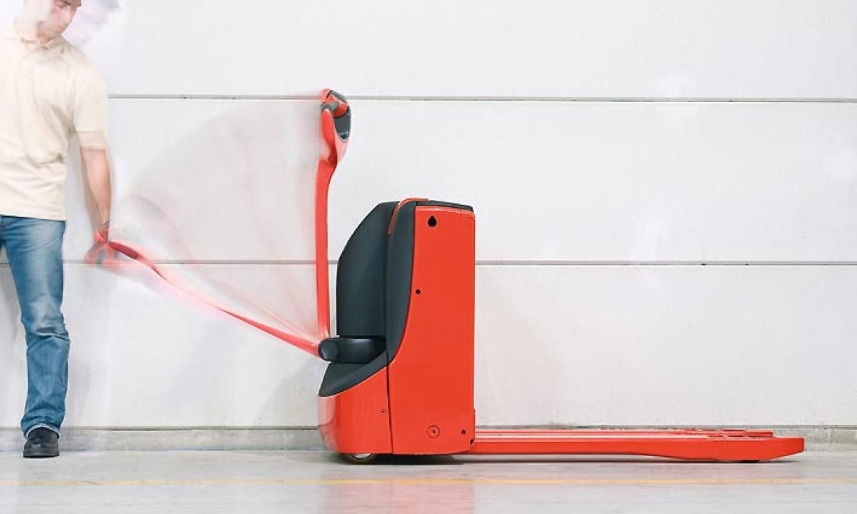 Нови високо и нископовдигащи електрически палетни колички