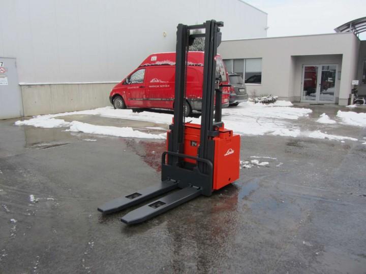 Стакер Linde L10 Standart цена € 2,400.00 364233531