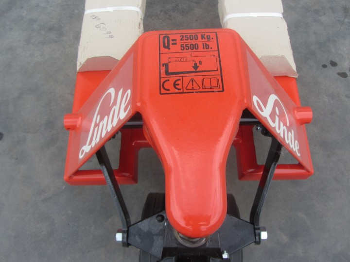 M25  цена €  - 386742203
