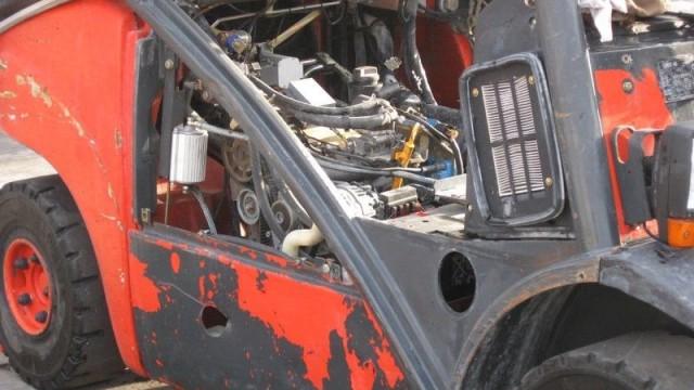 Демонтаж на двигателя.