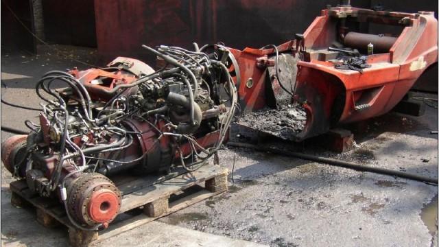 Демонтаж на двигател и хидростатично задвижване.