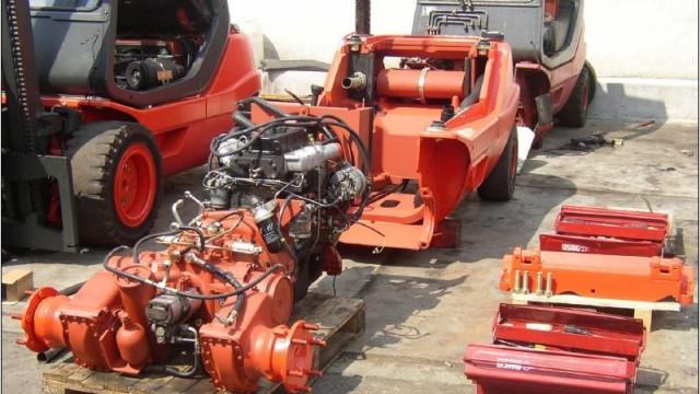 Монтаж на двигател и хидростатична трансмисия.